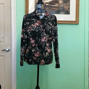 EUC Croft&Barrow XL black floral button down shirt